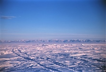 Brooks Range visible miles away over the flat Arctic plainSuch views lend credence to the flat earth theoryJust kidding!