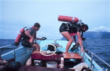 Divers preparing for dive on the artificial reef site off the Leeward Coast of Oahu close to Pokai Bay.