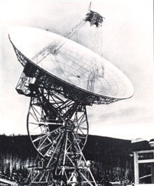 An 85-foot diameter parabolic antenna used to send commands and receiveinformation from meteorological satellites.