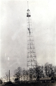 Climbing the tower at Station Walting.On the Ohio-Indiana boundary.Triangulation party of H. C. Warwick