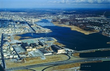 A good view of the whole west side of New Bedford Harbor. At the bottom of theimage is I95 and in the far off distance one of the contamination sources can beseen.